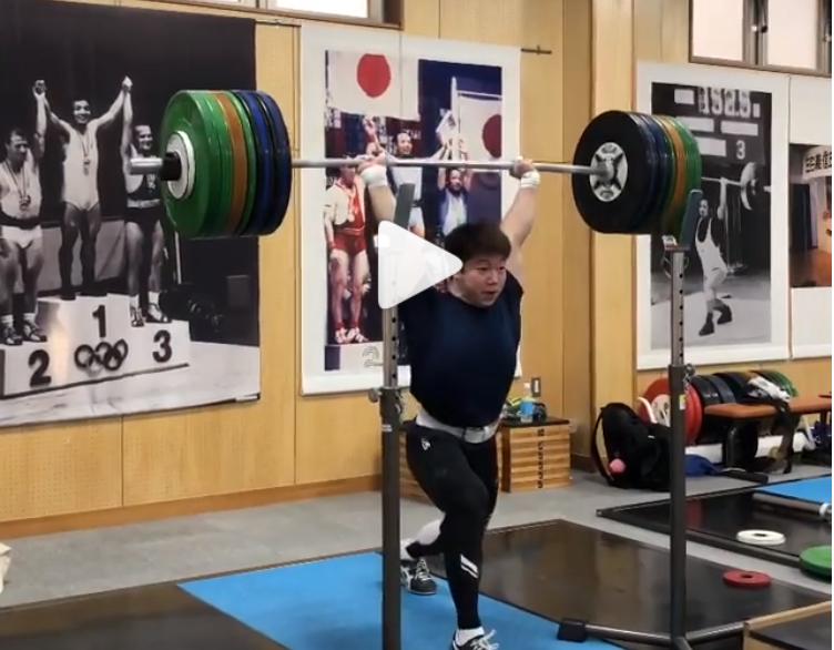 Japanese 73 kg weightlifter Masanori Miyamoto unofficially jerks 200 kg world record.