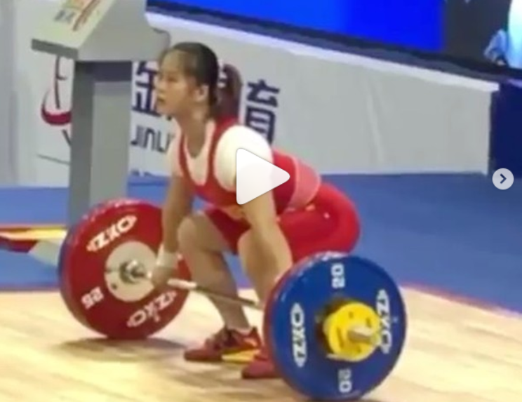 Chinese Weightlifter Deng Wei hits 3 new world records at the IWF World Cup