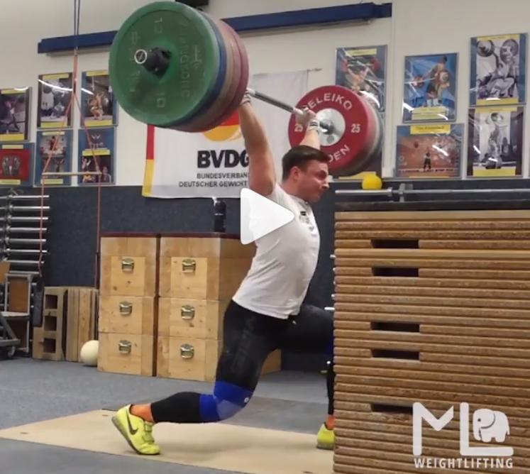 German 81 kg weightlifter jerks 210 kg off the blocks