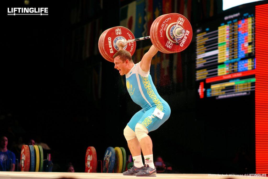 Kazakhstan weightlifter Alexander Zaichikov snatching 191 kg at the 2015 Weightlifting World Championships