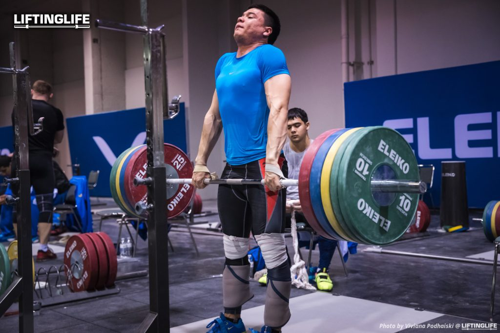 Do we really need periodization? Clean pull at the 2017 Weightlifting World Championships training hall