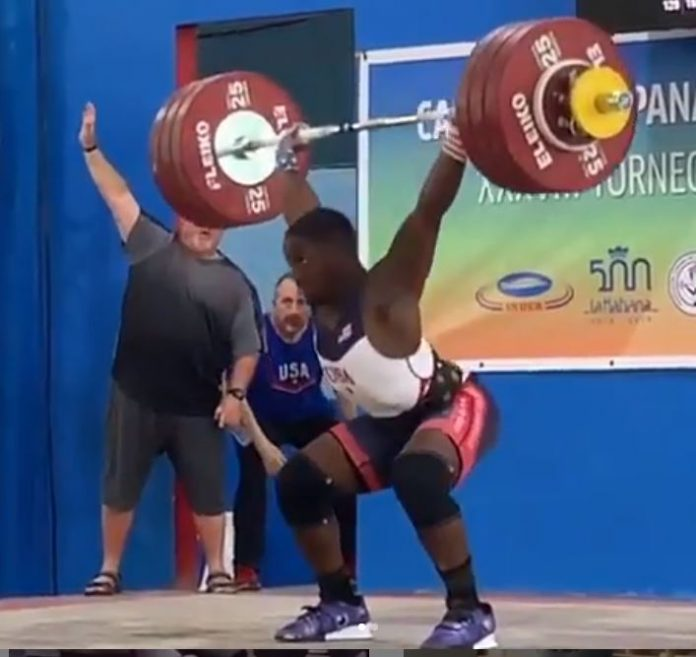 CJ Cummings snatches 154 kg and clean and jerks 193 kg