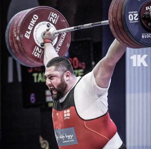 The strongest man ever Lasha Talakhadze snatches 220 kg and clean and jerks 264 kg for all new world records