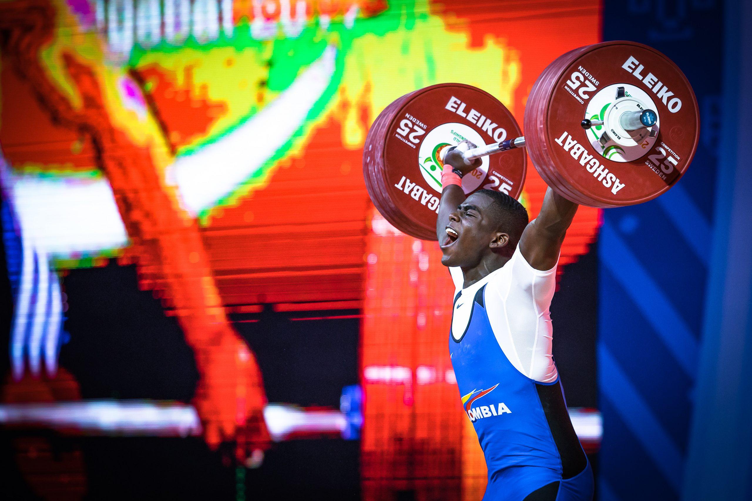 Jhonaton Rivas Snatching at the 2018 World Championships